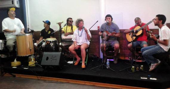 Jana Teodoro e Samba Alado se apresentam no palco do Boteco São Paulo Eventos BaresSP 570x300 imagem