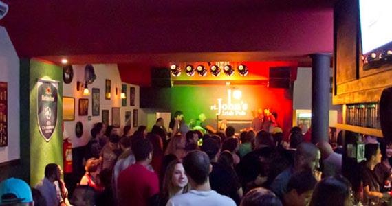 St. John's Irish Pub embala a noite da galera ao som dos Marvins Acoustic Rock Eventos BaresSP 570x300 imagem