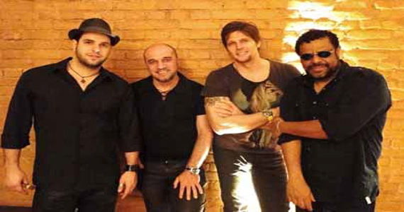 Banda Junkie Box se apresenta no palco do The Sailor - Rota do Rock