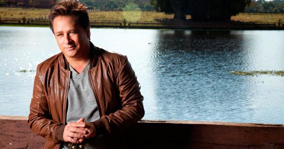 Leonardo canta seus maiores sucessos do sertanejo na Woods Bar Eventos BaresSP 570x300 imagem