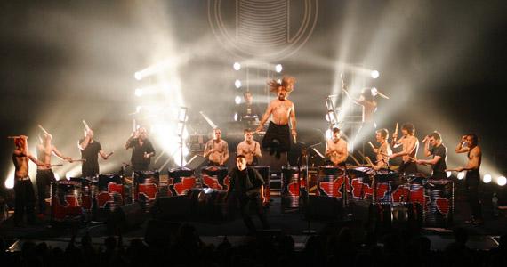 HSBC Brasil recebe o grupo francês de percussão Les Tambours du Bronx, nesta quinta-feira Eventos BaresSP 570x300 imagem