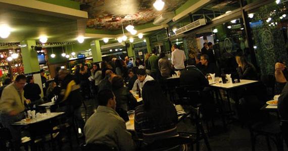 Happy hour com cerveja gelada e promoção no Loirassa Bar Eventos BaresSP 570x300 imagem