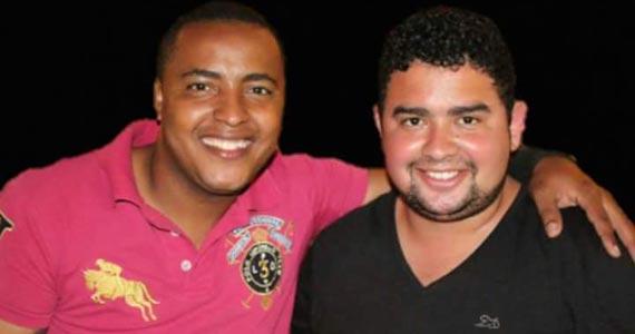Dupla Lucas Souza e Raphael animam a quarta-feira com muito sertanejo no Bar Birô Eventos BaresSP 570x300 imagem
