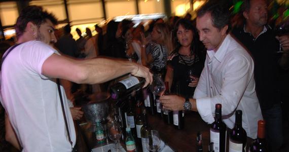 Vila Butantan recebe o 4º Malbec World Day com food trucks, DJs e degustação dos vinhos Eventos BaresSP 570x300 imagem