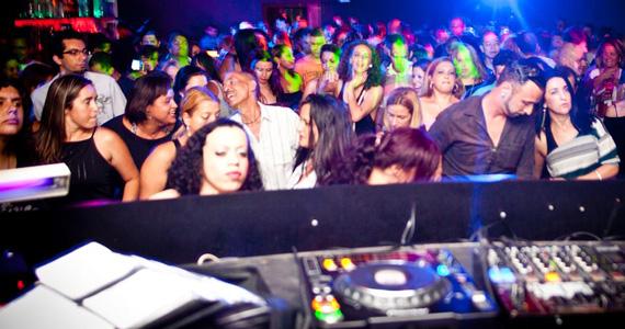 Flash Back com DJs convidados na noite de sábado do Mary Pop Eventos BaresSP 570x300 imagem