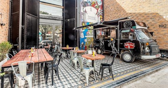 The Meatball House recebe o encontro dos trucks Los Mendozitos, Massa na Caveira e Bike Cafe Simples Eventos BaresSP 570x300 imagem