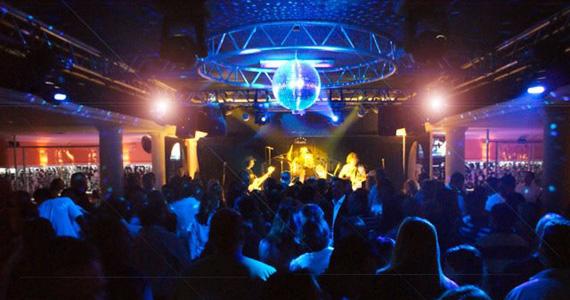 eventos - Betto Luck apresenta o melhor do pop rock no palco do Memphis