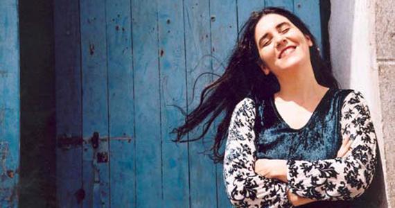 Mônica Salmaso apresenta seu novo projeto Alma Líria Brasileira no Sesc Pinheiros Eventos BaresSP 570x300 imagem