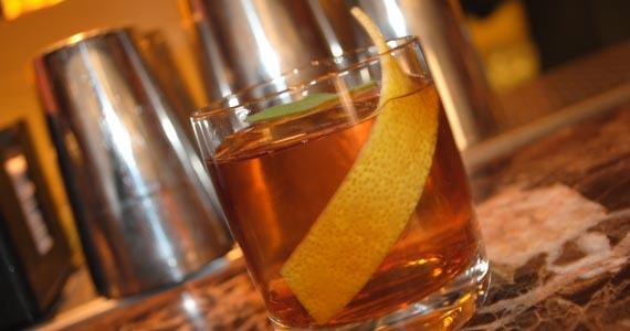 Isola Bar oferece Jazzy Drinks com Banda de Jazz agitando o Happy Hour Eventos BaresSP 570x300 imagem