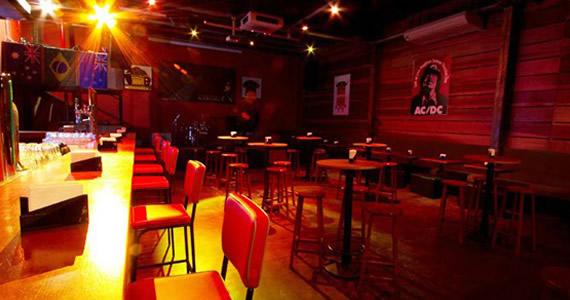 William Kim, banda Black Hatz e DJs da 89 FM comandam a sexta-feira do Ozzie Pub Eventos BaresSP 570x300 imagem