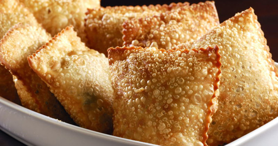 Porção de Pasteis para o happy hour desta sexta-feira no Elidio Bar Eventos BaresSP 570x300 imagem