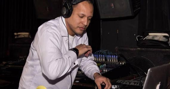 Avenue Club inaugura projeto Ellite Party com DJ Pelezinho nas pick-ups Eventos BaresSP 570x300 imagem