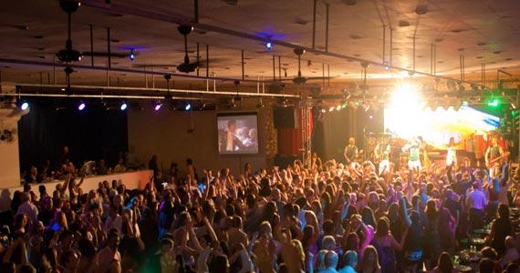 Clube Piratininga realiza Festa de Reveillon com bateria das Rosas de Ouro e convidados Eventos BaresSP 570x300 imagem