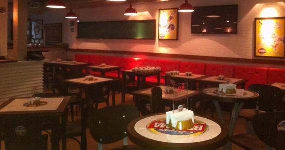 Happy hour com Chopp Brahma gelado e petiscos variados no Quiosque Chopp Brahma Street Eventos BaresSP 570x300 imagem
