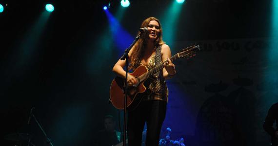 Barnaldo Lucrécia recebe a cantora Renata Arruda nesta quarta-feira Eventos BaresSP 570x300 imagem