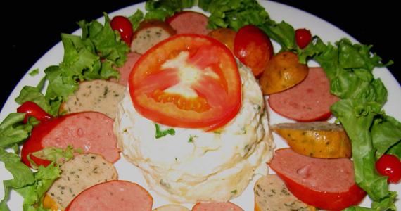 Salsichão aperitivo com chopp gelado para animar o sábado do Elidio Bar Eventos BaresSP 570x300 imagem