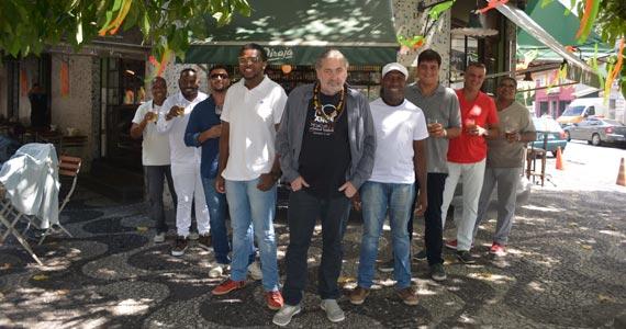 Samba do Trabalhador lança CD comemorativo de 10 anos no Pirajá neste sábado Eventos BaresSP 570x300 imagem