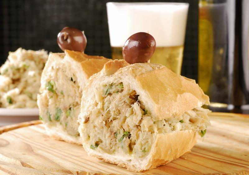Sanduíche de Bacalhau como opção para esta terça-feira no Elidio Bar Eventos BaresSP 570x300 imagem