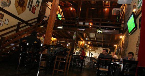 Triade Pub oferece happy hour com variedade de drinks e petiscos Eventos BaresSP 570x300 imagem