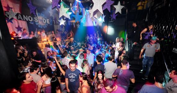 Trahs 80's promove festa especial com line-up repleto de DJs convidados Eventos BaresSP 570x300 imagem