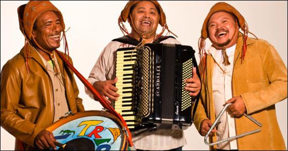 Apresentação de Trio Virgulino no palco no Remelexo Brasil Eventos BaresSP 570x300 imagem