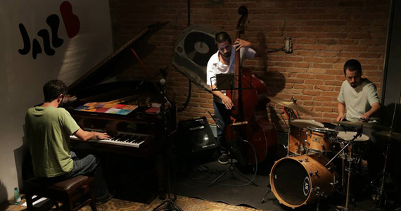Mauricio Orsolini Trio se apresenta nesta terça-feira no Umbabarauma Bar Eventos BaresSP 570x300 imagem