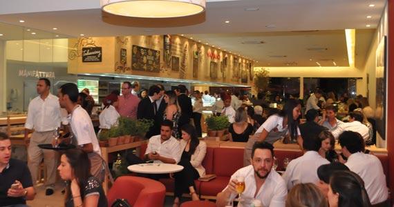Restaurante Vapiano arma noite especial para solteiros no Dia dos Namorados Eventos BaresSP 570x300 imagem