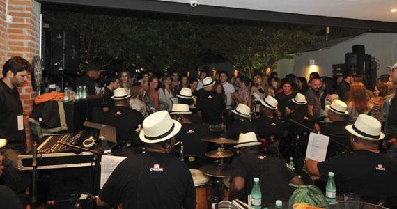 Vila Seu Justino embala o sábado com o comando de Muscula Samba Eventos BaresSP 570x300 imagem