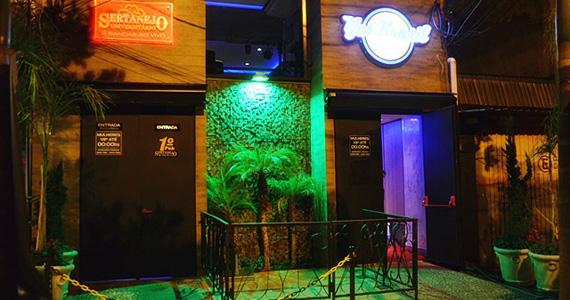 Caio e Carlinhos e Gutto Barbosa comandam a noite de sexta-feira do Yes Brasil Pub Eventos BaresSP 570x300 imagem