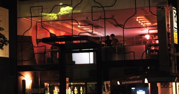 Absolut Inn se transforma com instalação inspirada em obras de Hélio Oiticica e Lygia Clark Eventos BaresSP 570x300 imagem