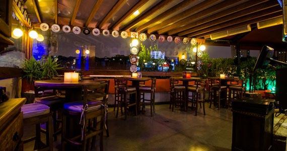 Akbar Lounge e Disco recebe a Noite do Chapéu com DJs Sandrinho, Zhenna e Tutunic Eventos BaresSP 570x300 imagem