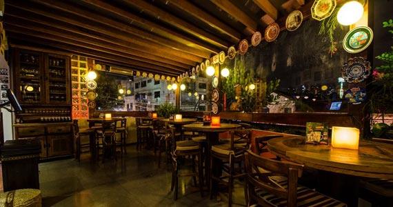 Akbar Lounge & Disco apresenta ao público a Noite da Brilhantina  Eventos BaresSP 570x300 imagem