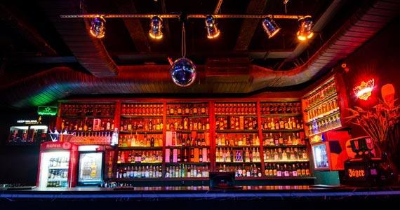 Festa Noite dos Amigos embala o sábado do Akbar Lounge & Disco Eventos BaresSP 570x300 imagem