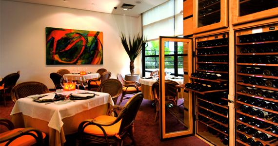 Restaurante All Seasons prepara Ceia de Almoço de Ano Novo para seus clientes Eventos BaresSP 570x300 imagem
