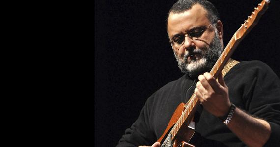 Guitarrista e compositor André Christovam apresenta seu repertório no palco do Bar Madeleine  Eventos BaresSP 570x300 imagem