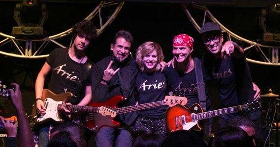 Banda Aries comanda a noite com pop rock na Festa à Fantasia do Duboiê Bar Eventos BaresSP 570x300 imagem