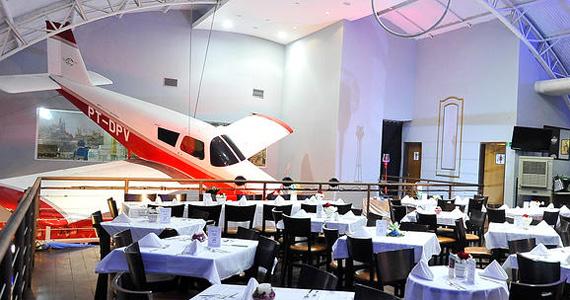 Bar Brahma Aeroclube oferece happy hour nesta segunda-feira  Eventos BaresSP 570x300 imagem