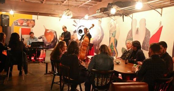 Noites de Jazz com Estônia Jazz Trio tocando Duke Ellington no Bar Estônia Eventos BaresSP 570x300 imagem