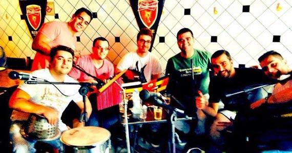 Feijoada ao som do grupo Batikundum no bar Dedo de Moça Eventos BaresSP 570x300 imagem