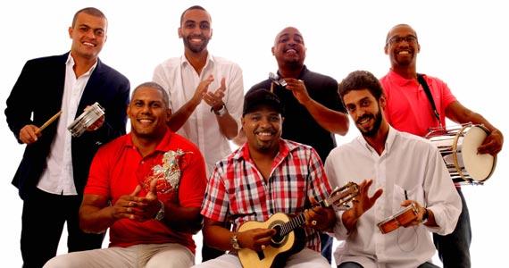 Batuque de Corda e DJ Tadeu animam a festa do público no Traço de União Eventos BaresSP 570x300 imagem