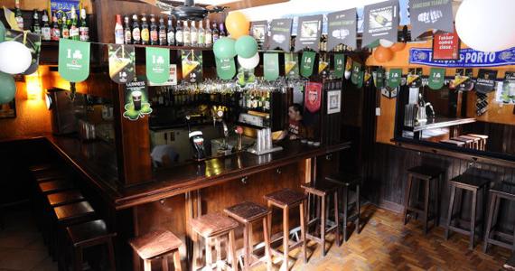 Happy hour com promoção de cerveja nesta terça-feira no The Blue Pub Eventos BaresSP 570x300 imagem
