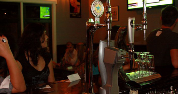 Banda Bela Cruela embala a noite da galera no The Blue Pub Eventos BaresSP 570x300 imagem