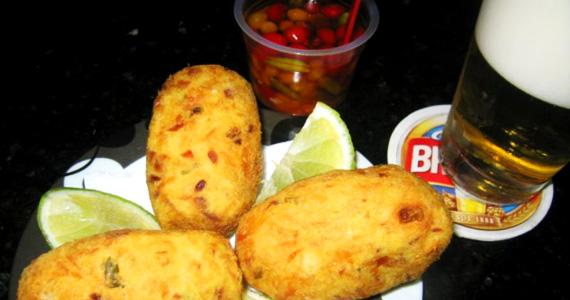 Bolinho de Bacalhau como sugestão de petisco no Elidio Bar Eventos BaresSP 570x300 imagem