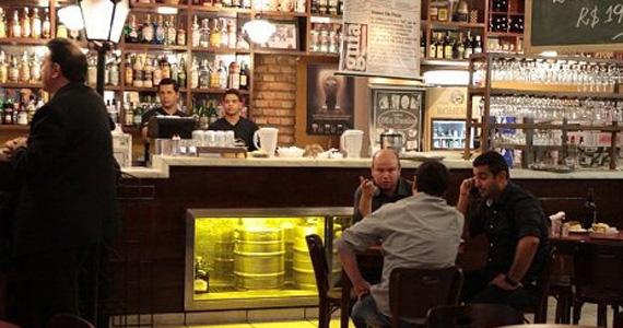 Cantor Tony Francis e banda comandam a tarde de domingo no Boteco São Paulo Eventos BaresSP 570x300 imagem