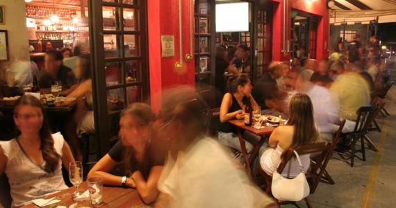Botequim Bar & Grill transmite clássicos do futebol com porções e bebidas variadas Eventos BaresSP 570x300 imagem