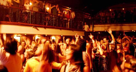 Apresentação da banda Royal Flush no palco do Bourbon Street Eventos BaresSP 570x300 imagem