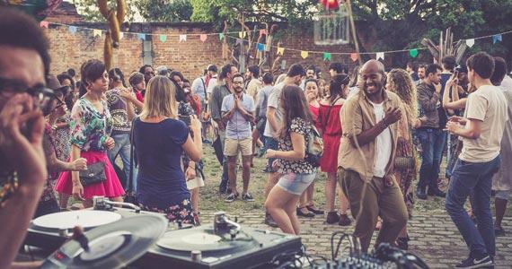 Festival CaosArte acontece no Memorial da América Latina com festas Calefação Tropicaos e Pilantragi Eventos BaresSP 570x300 imagem