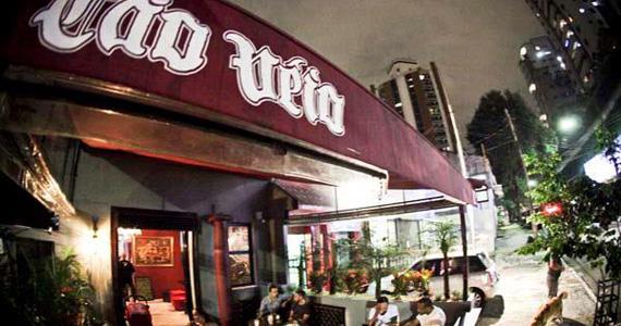 Bar Cão Véio oferece cardápio de petiscos e bebidas variadas para o happy hour Eventos BaresSP 570x300 imagem