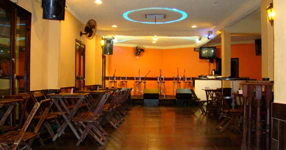 Capella Beer recebe Domingo Especial Pagode Chic 27-10-2013 Eventos BaresSP 570x300 imagem