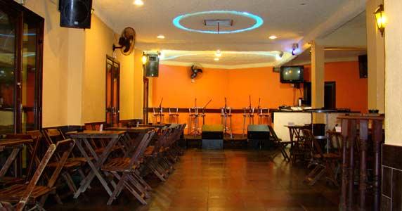 Na Palma da Mão recebe grupos de pagode e DJ para animar a sexta-feira do Capella Beer 15-11-2013 Eventos BaresSP 570x300 imagem